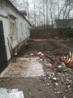 uigraven fundering aanbouw  bij woonboerderij