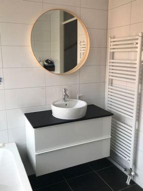Wastafel en spiegel montage Arnhem