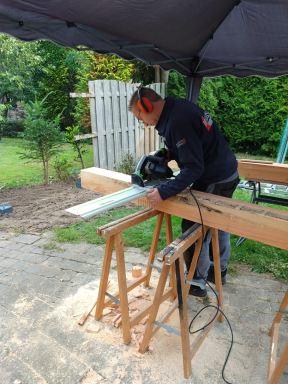 Douglashout bewerken voor de houtverbindingen Valburg