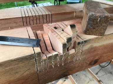Zaag en beitelwerk voor houtverbindingen Valburg