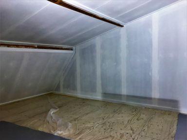 Nieuwe underleyment vloer en voorstrijk aangebracht op de wanden Velp
