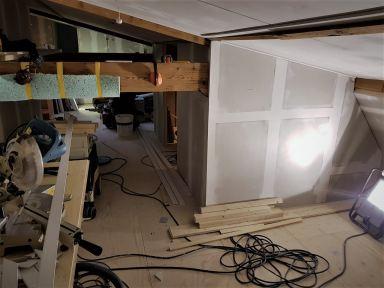 Zolder verbouwing, met veel bouwmaterialen en gereedschap er iets moois van maken, Velp
