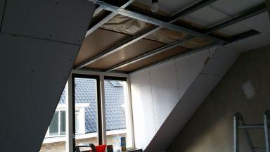 Zolder verbouwing aanbrengen verlaagd plafond