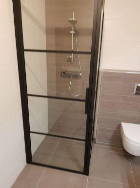 Montagewerkzaamheden badkamer te Schiedam