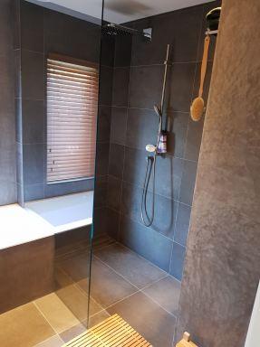 Volledige badkamerrenovatie Den Hoorn