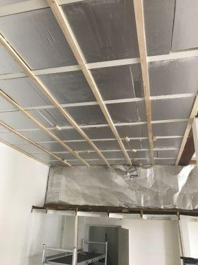 Aanbrengen plafond 70 m2