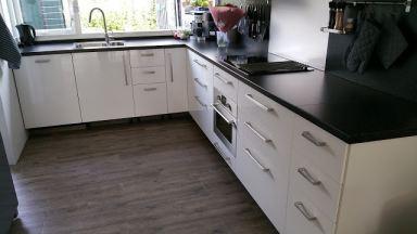 Ikea keuken montage en pvc vloer