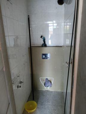 Muren van badkamer en toilet aankleden met wandpanelen te Turnhout