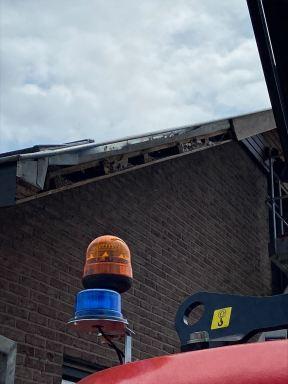 hangen van een nieuwe dakgootrand te harelbeke